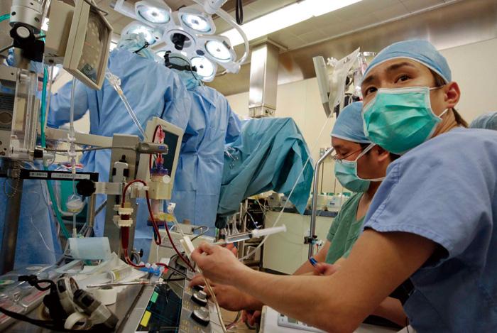 ... 血管外科教授 佐野俊二先生